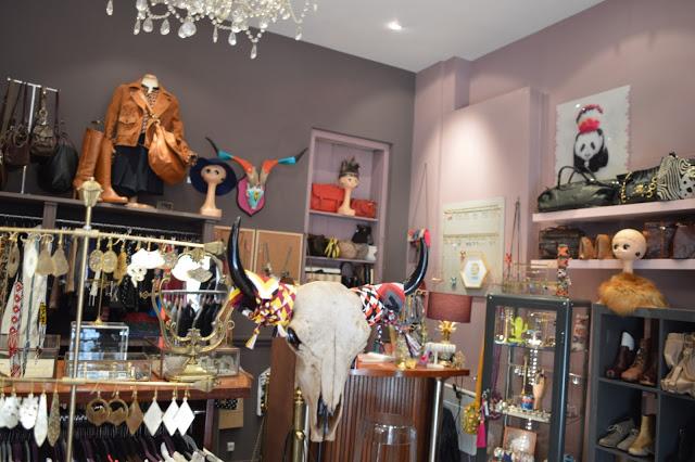 jolie m me le d p t vente trendy de bordeaux camille in bordeaux. Black Bedroom Furniture Sets. Home Design Ideas