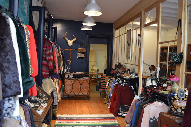 blue madone boutique vintage atelier cr ateurs. Black Bedroom Furniture Sets. Home Design Ideas