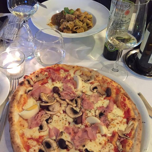 pizzeria Taormine en Sicile - blog voyage Camille In Bordeaux