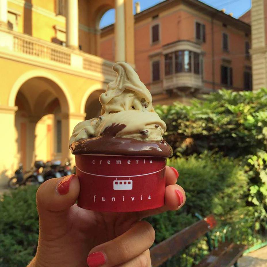 glaces italiennes à Bologne - Visit Bologna bons plans - travel blog Camille In Bordeaux