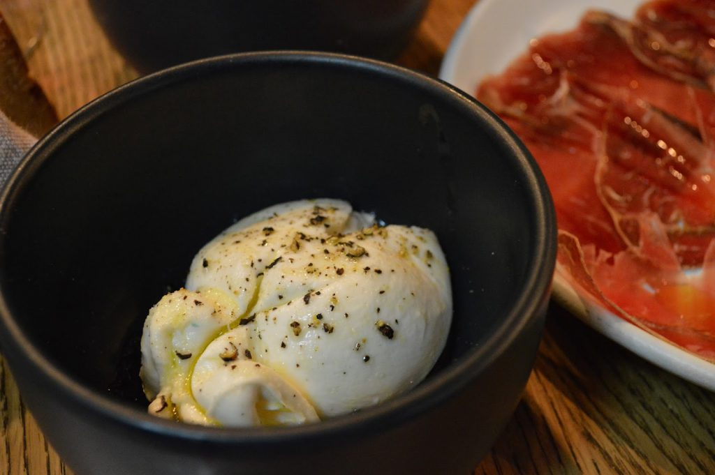 echo cave à manger burrata bordeaux blog camille in bordeaux