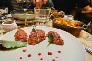 tartare de boeuf au couteau Le troquet by Glouton