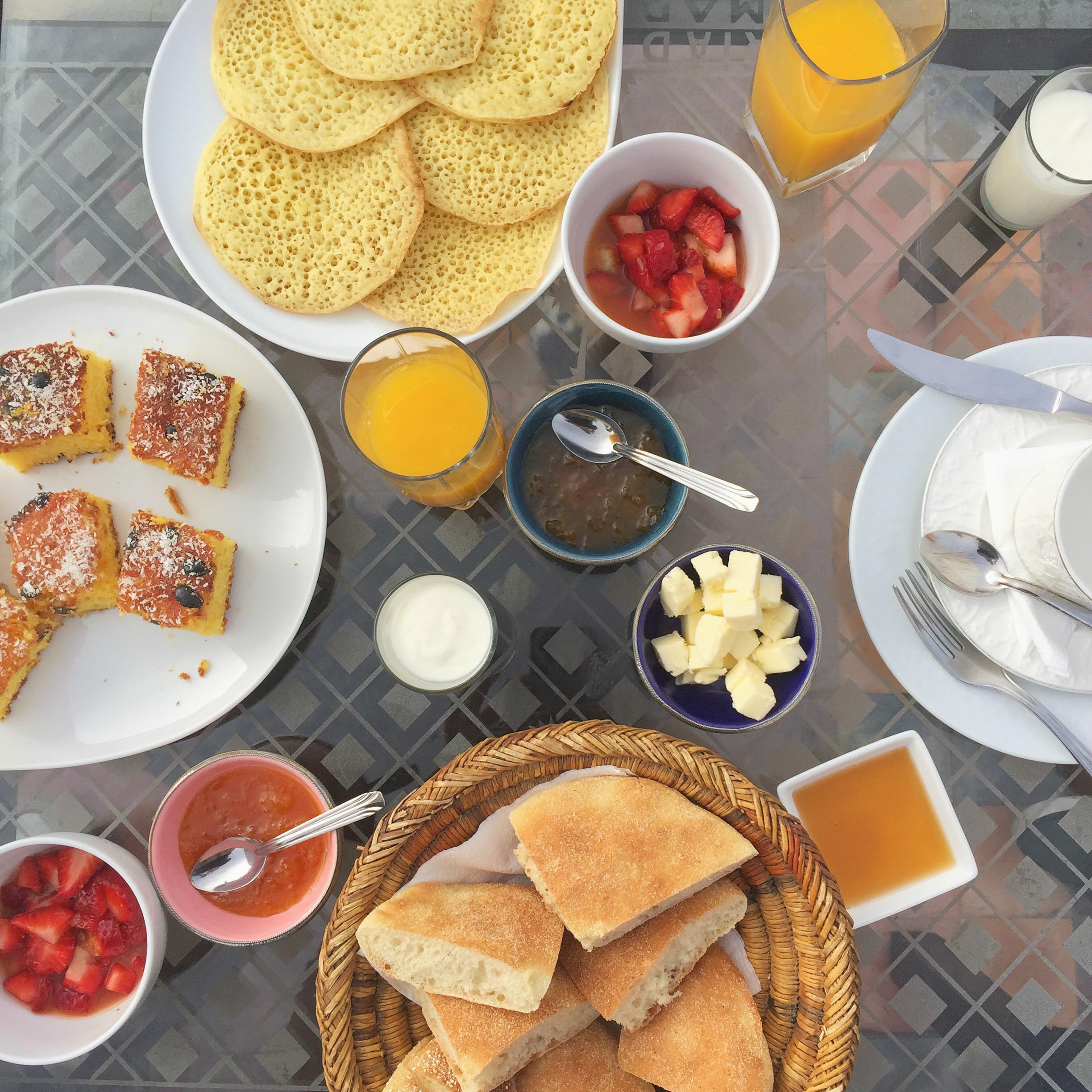 petit déjeuner marocain Riad Chorfa Marrakech