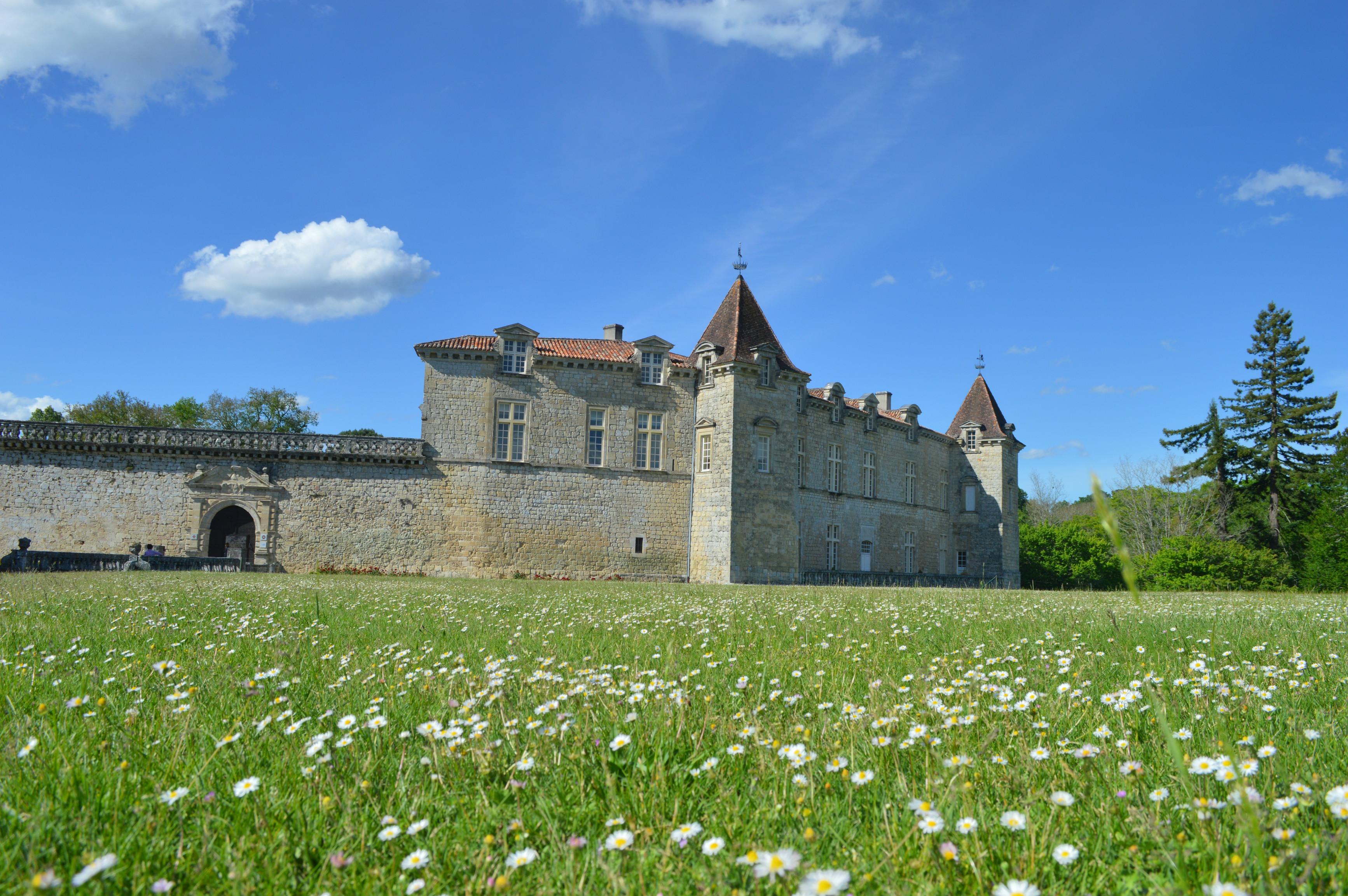 chateau Cazeneuve sur la route des vins de Bordeaux en Graves et Sauternes - blog Camille In Bordeaux