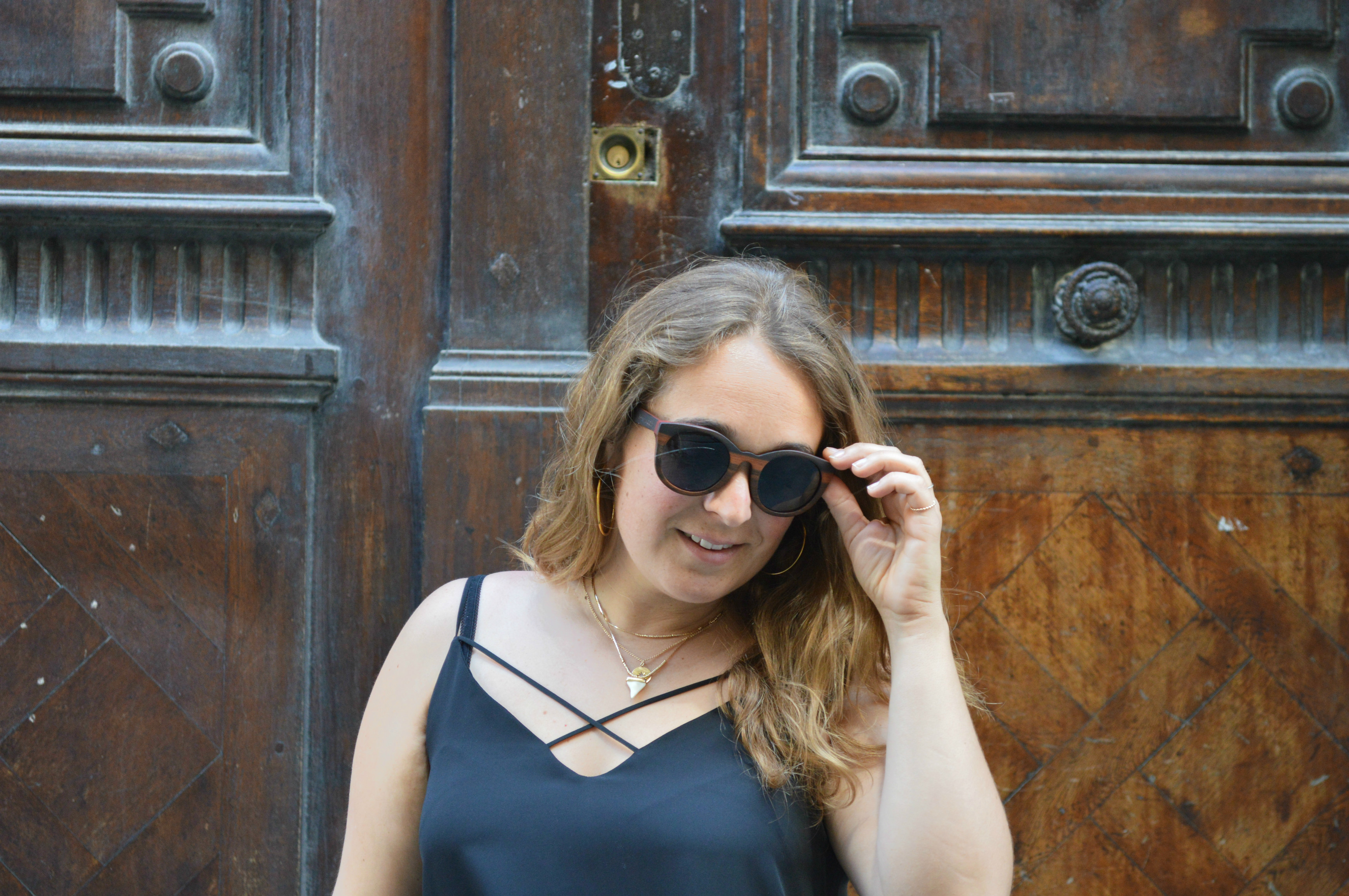 look jupe et Stan Smith - lunettes shiny wood - blog mode Camille In Bordeaux