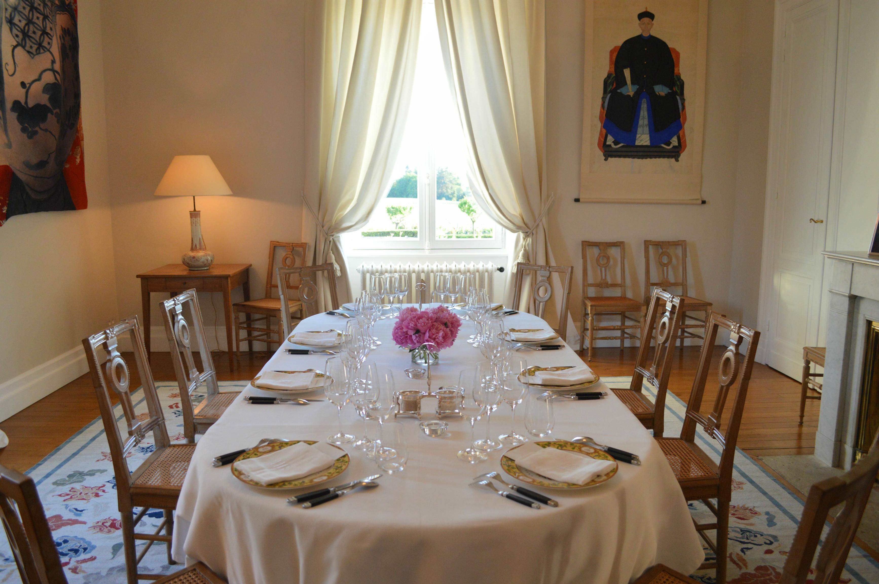table privée château Haut Bailly Sur la route des vins de Bordeaux en Graves et Sauternes