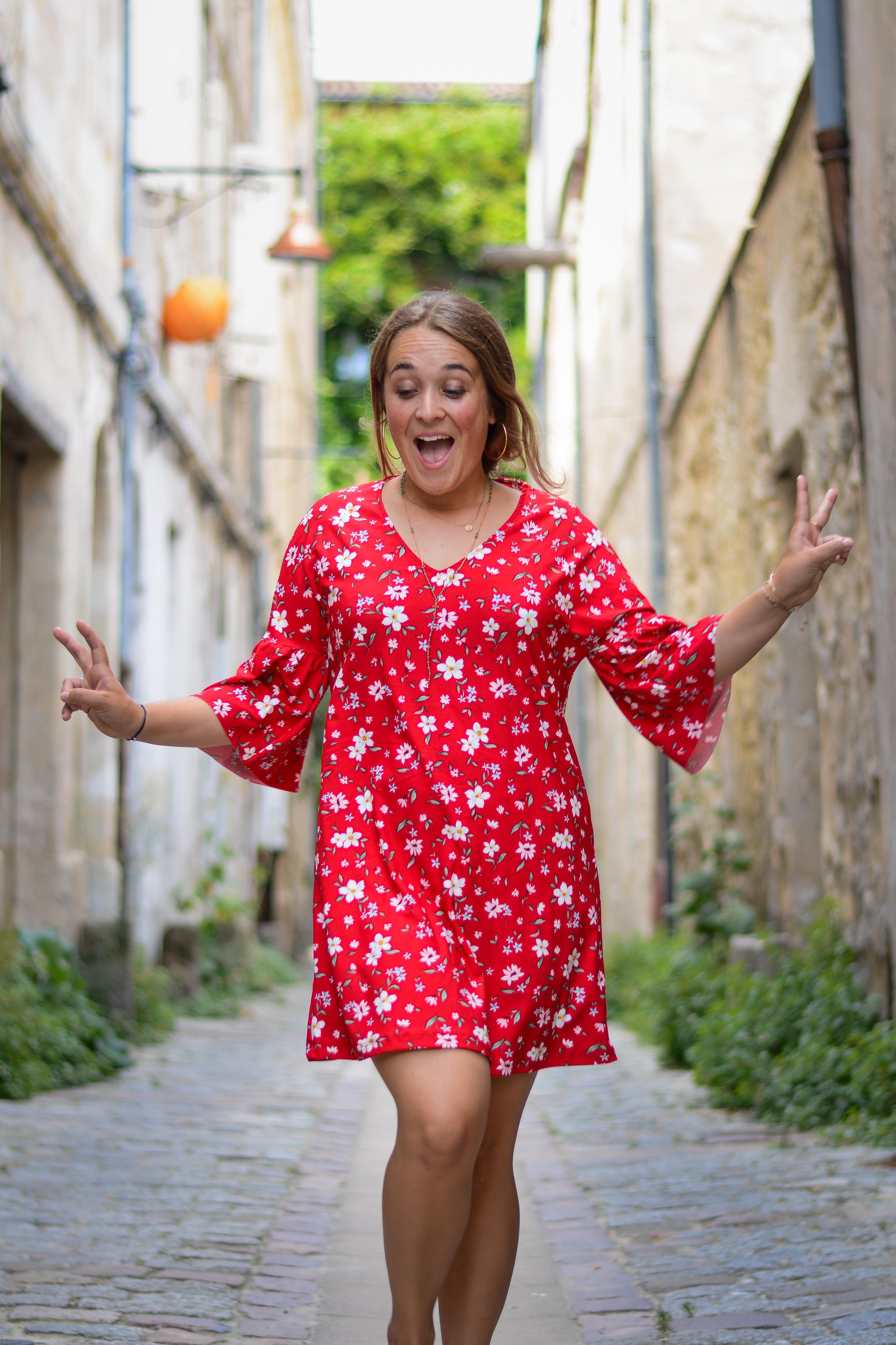 robe rouge à fleurs Mango - blog Camille in Bordeaux