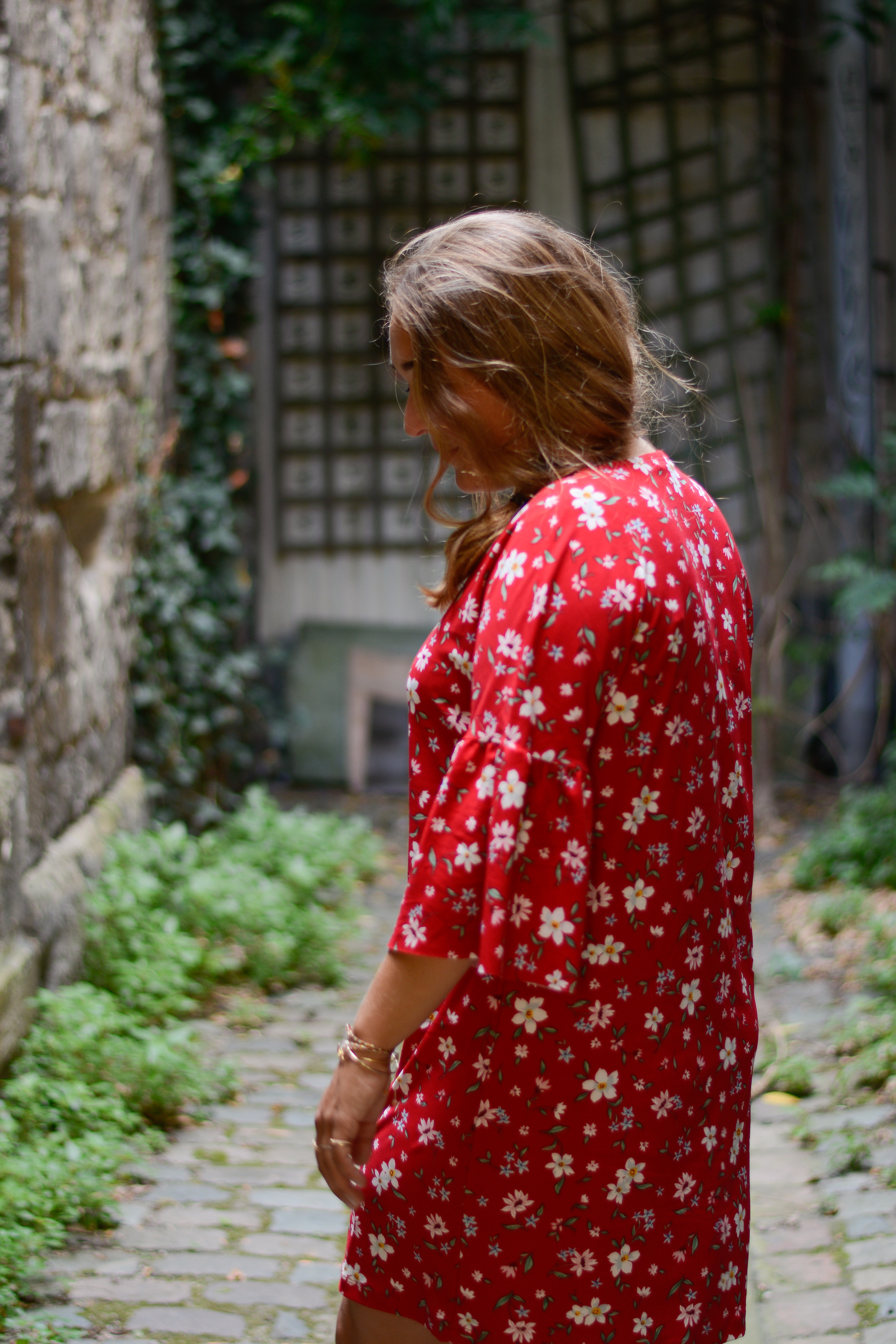 blog mode Bordeaux robe rouge à fleurs Mango - Camille In Bordeaux