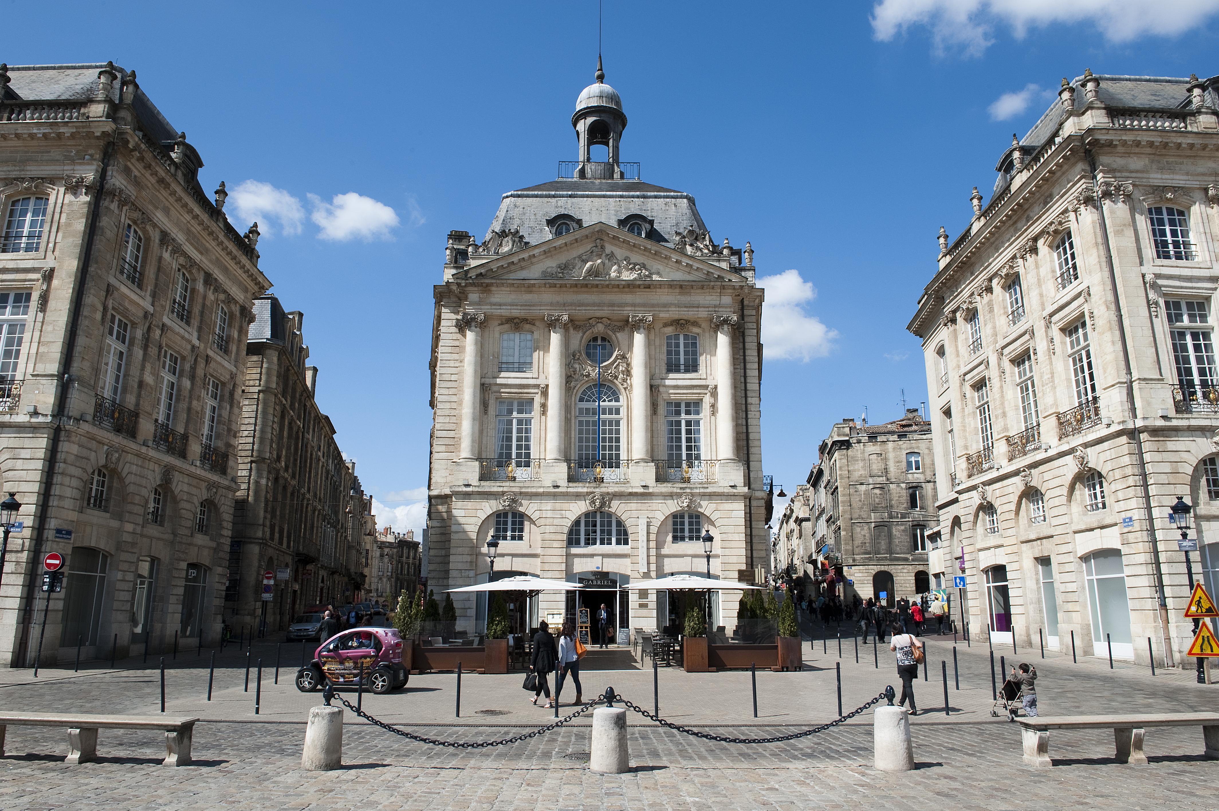 façade Le Gabriel Bordeaux - blog Camille In Bordeaux