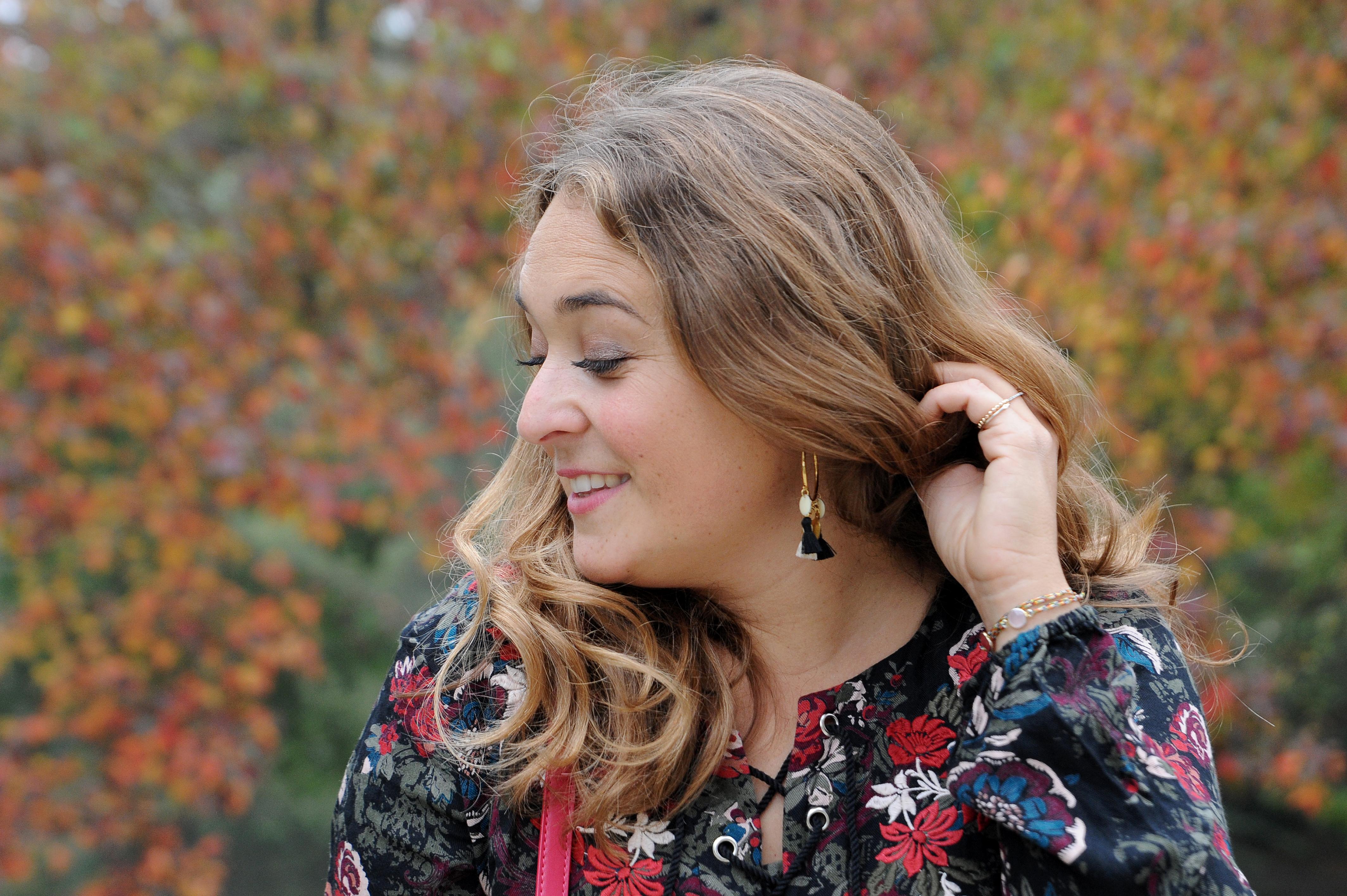 boucles d'oreilles pompon - blog Camille In Bordeaux