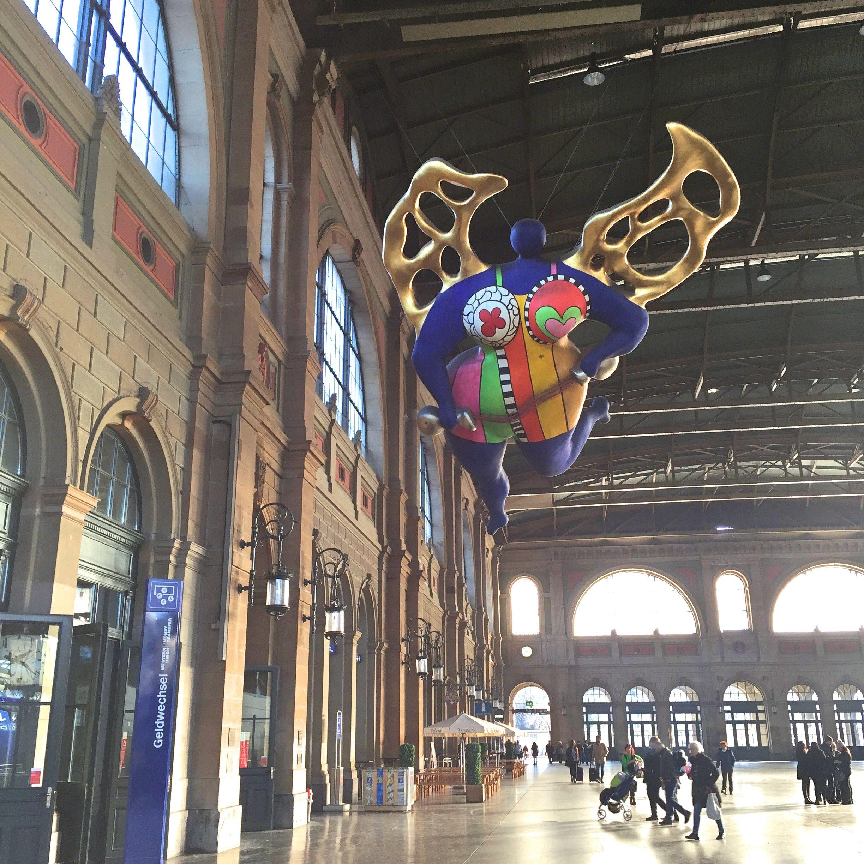 ange protecteur Nikki de saint phale gare Zurich - blog voyage Suisse