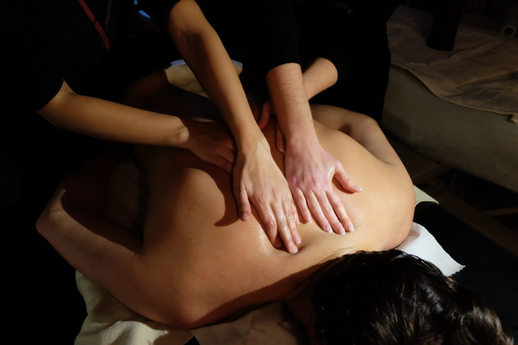 massage à 4 mains EstheClinic Bordeaux