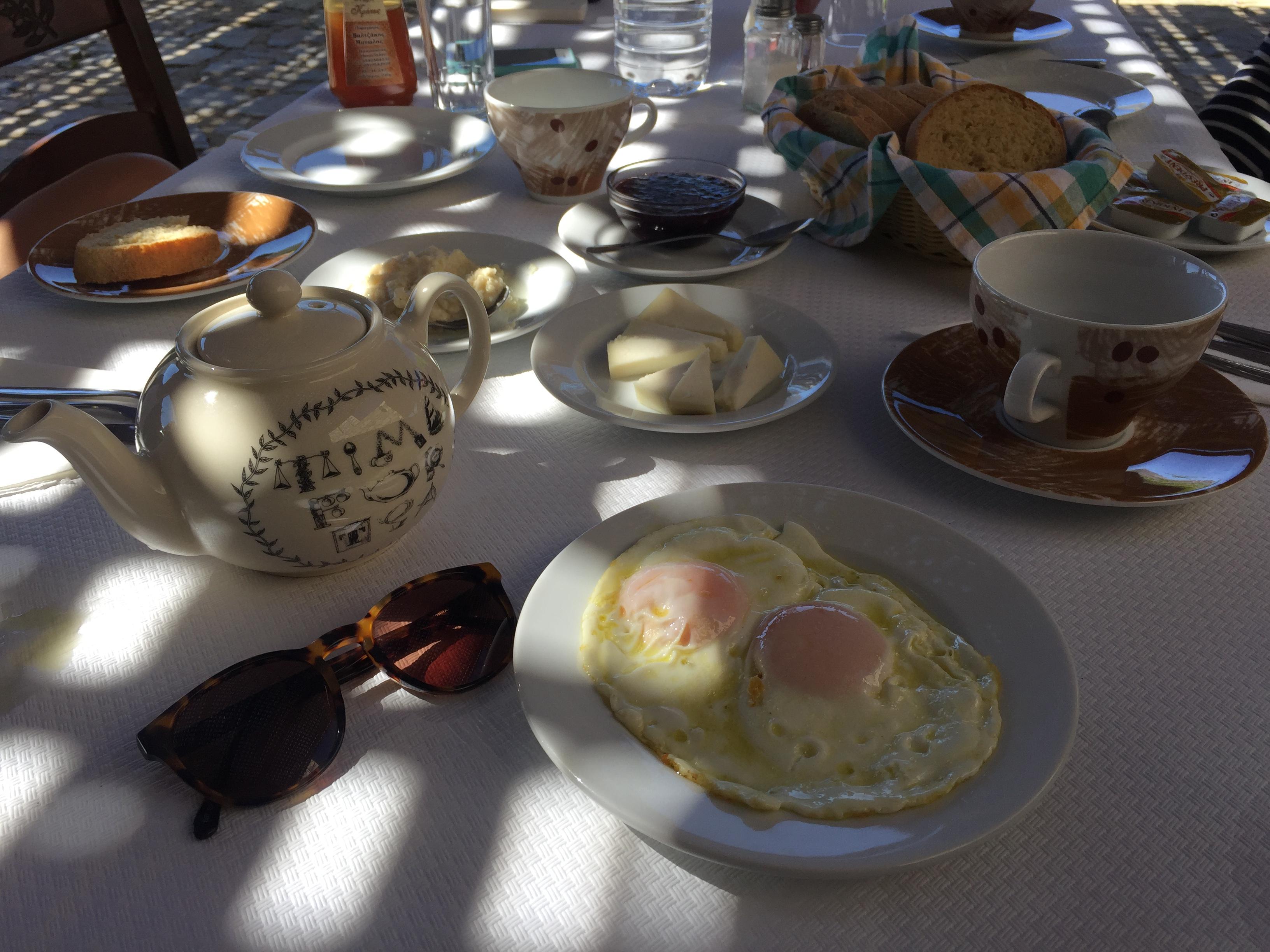 petit déjeuner grec Arodamos beurre staka