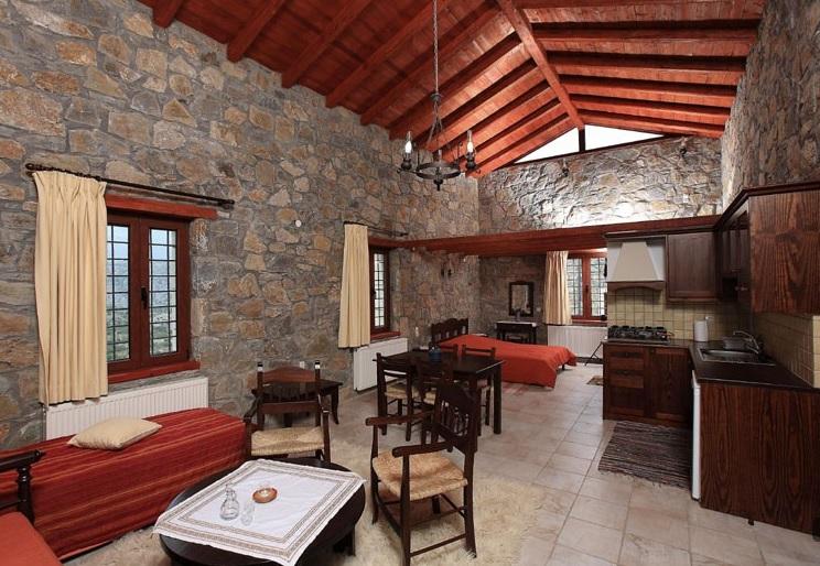 Voyage en Crète Arodamos guesthouse maison en pierre