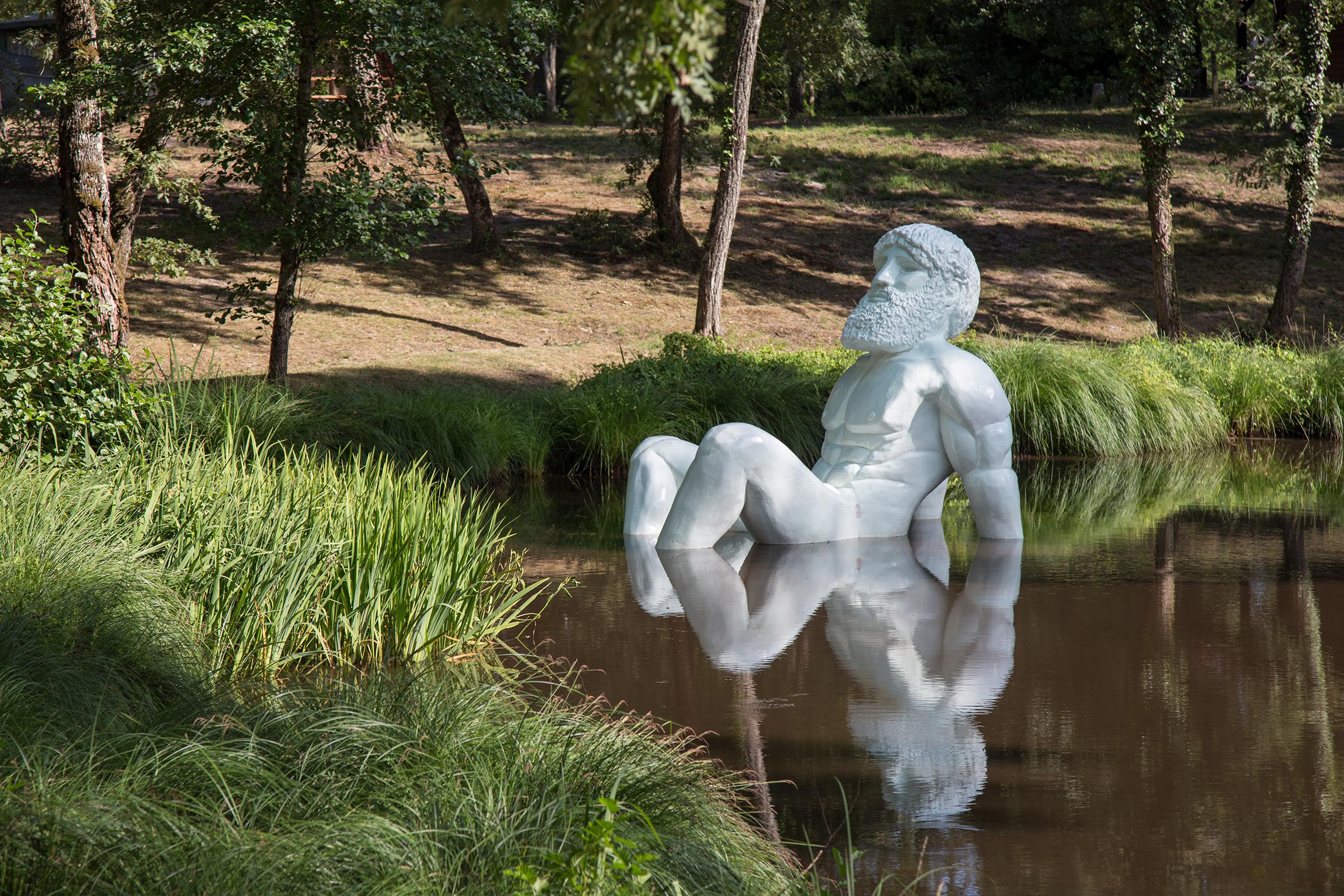 Hello Apollo forêt d'art à Luxey